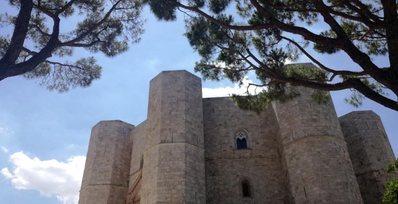 CASTEL DEL MONTE - (Barletta-Andria-Trani) - Arte e Cultura